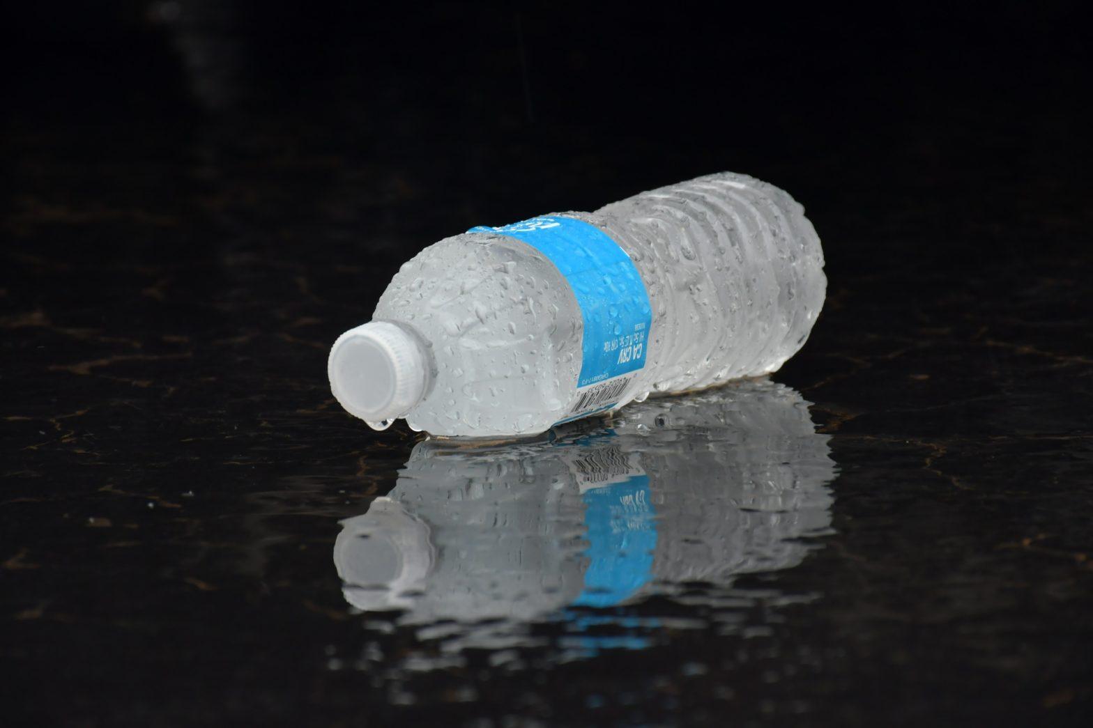 Einzelne, kalte Wasserflsche
