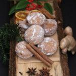 Ingwer-Marmeladenkekse mit Puderzuckerbestäubt