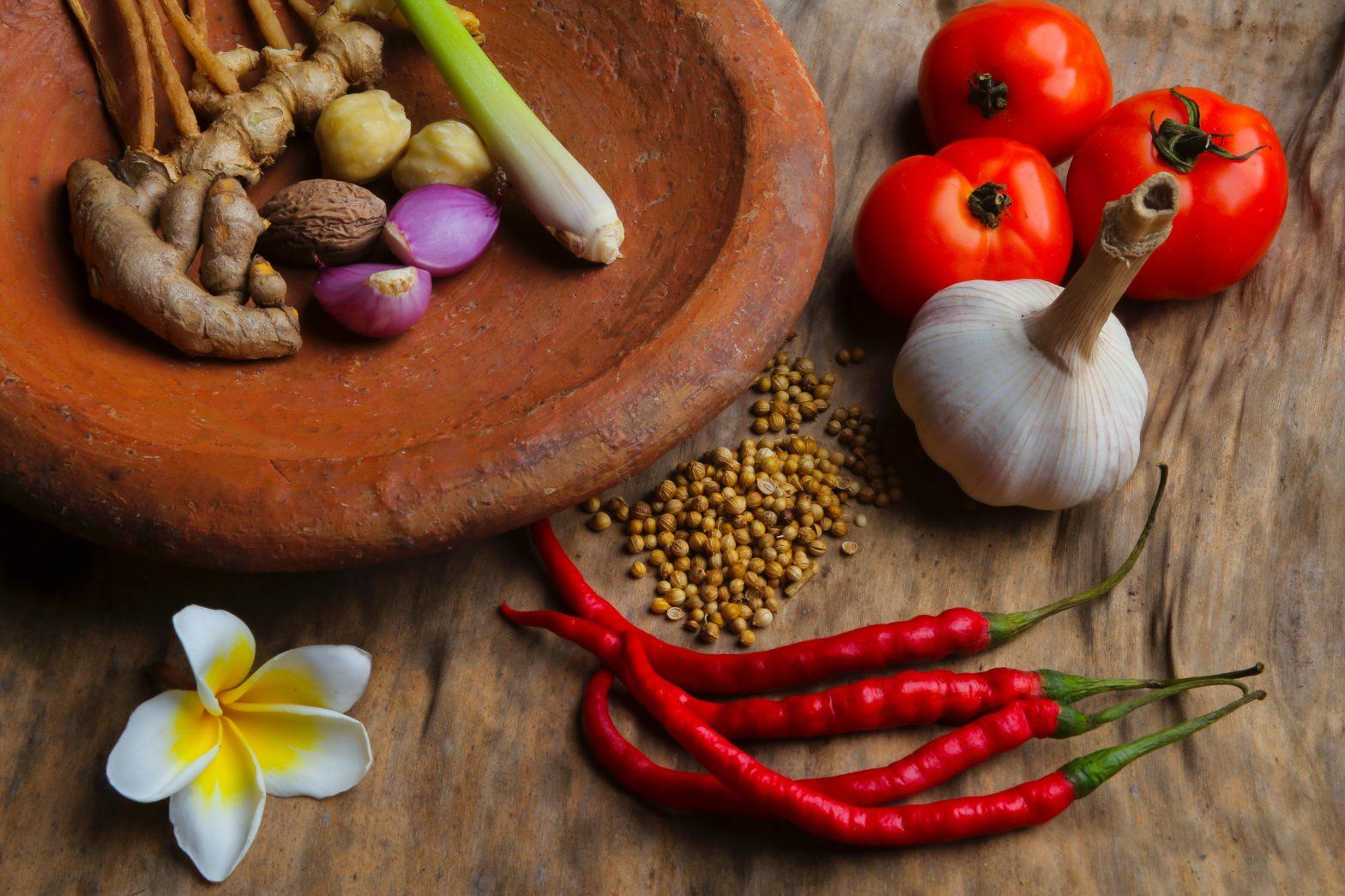 Gemüse in Keramikschale