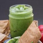 veganes radieschengrün Pesto im Glas